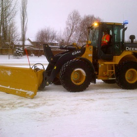 Agganis-Frontend-Loader-Snow-Plowing-01