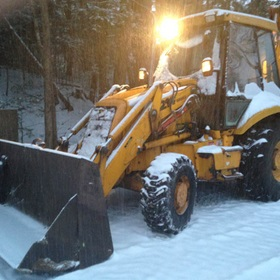 Agganis-Frontend-Loader-Snow-Plowing-05